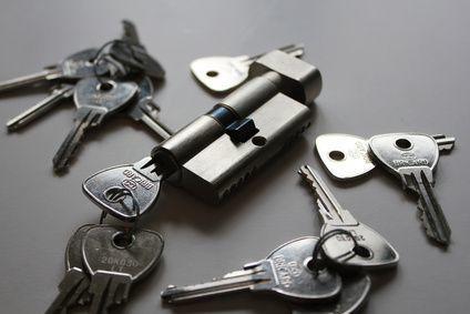 Schlüssel Zylinder Haufen